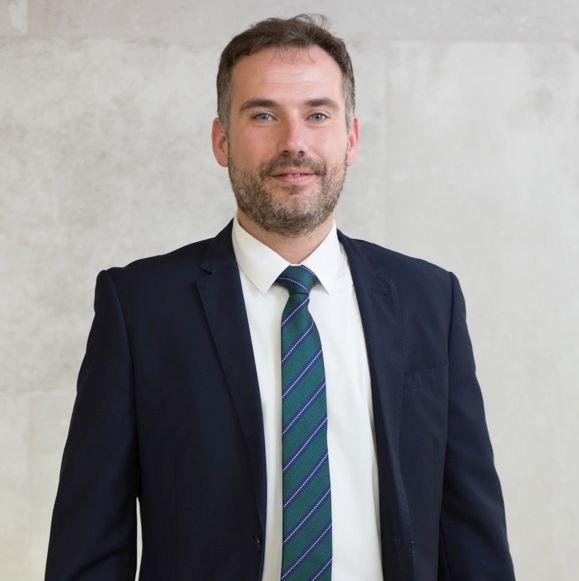 Martínez Gonzálvez, David. Director del Área Inversiones y Finanzas